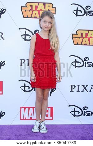 LOS ANGELES - OCT 1:  Kylie Rogers at the VIP Disney Halloween Event at Disney Consumer Product Pop Up Store on October 1, 2014 in Glendale, CA