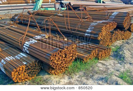 Pile of L-beams
