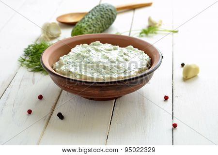 Cucumber sauce with yogurt garlic, dill tzatziki