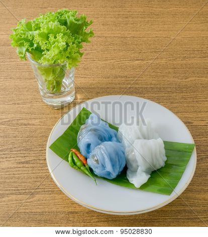 Thai Steamed Rice Skin Dumpling With Minced Pork