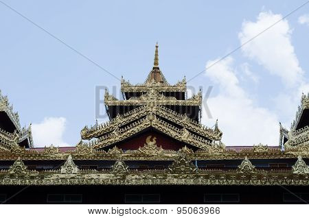Roof Of Temple Myanmar Style At Wat Tai Ta Ya Monastery, Payatongsu,hpayarthonesu, Myanmar