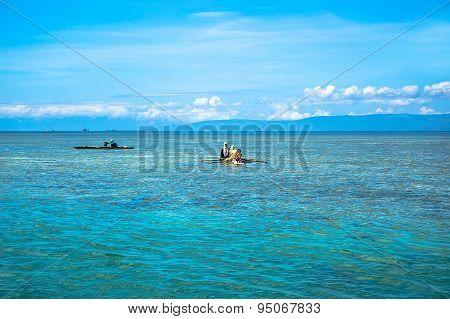 Philippine Aboriginal Fishermen Catch Fish