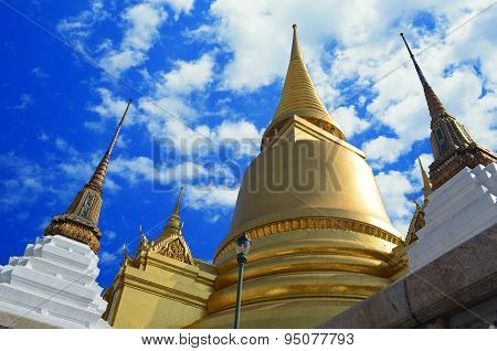 Golden pagoda Wat Phra Kaeo