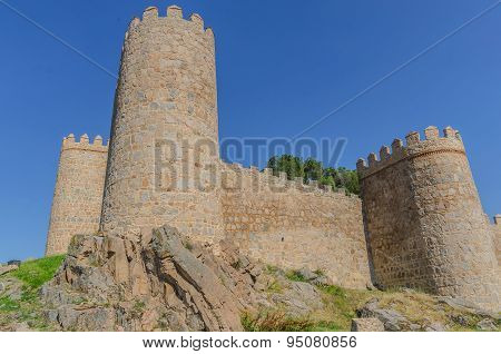 Avila Wall Detail Towers