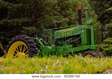 John Deere General Purpose tractor