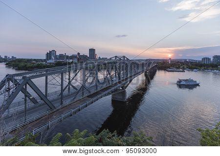 A bridge across the Ottawa river