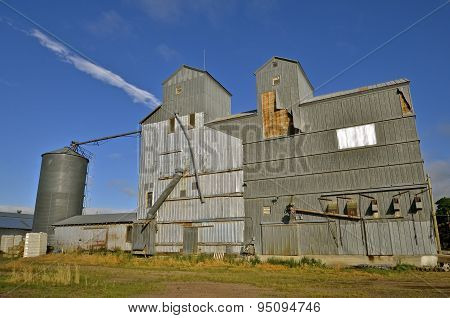 Antiquated grain elevator system