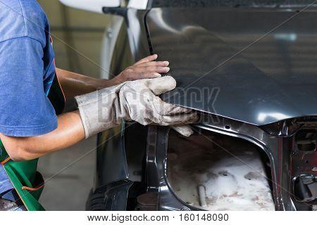 Auto body repair series : Replacing body panel