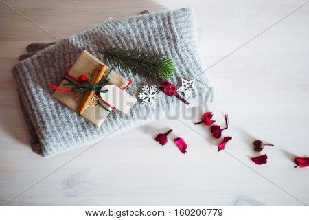Christmas And New Year Gifts To Warm Woolen Sweater