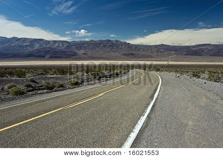 Highway across Panamint Valley