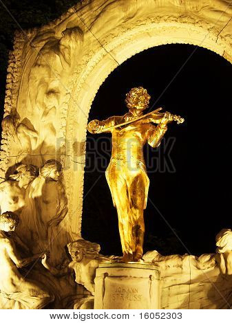 Golden statue of Johann Strauss