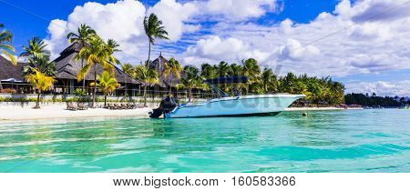Luxury tropical vacations. water sport activities in Mauritius island