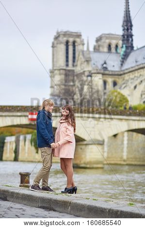 Dating Couple Near Notre-dame De Paris