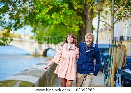 Dating Couple In Paris On A Nice Spring Day