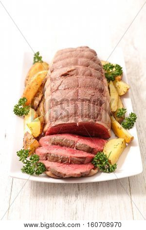 baked roast beef with vegetables