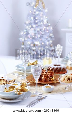 Place setting for Christmas with Christmas tree