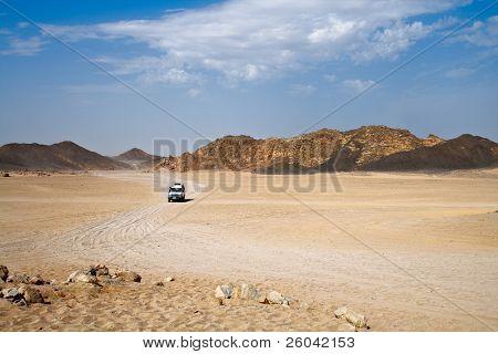 Landschaft Wüste mit jeep