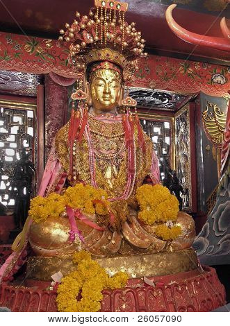 gold  buddah  thailand