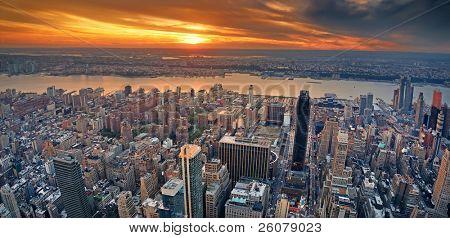 Opinión del panorama aéreo de Manhattan de Nueva York con Nueva Jersey west Hudson River y rascacielos