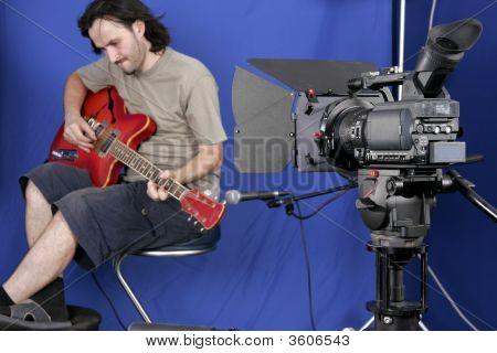 Camera Shot The Guitarman