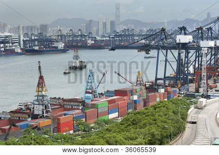 Commercial container port