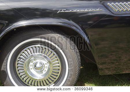 1957 Ford Thunderbird Wheel & Name