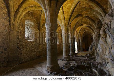 Sala de cámara acorazada de castillo medieval Chillon, Ginebra, Suiza
