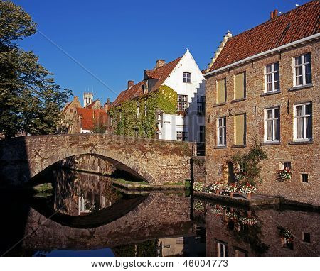 Canal bridge, Green Quay, Bruges.