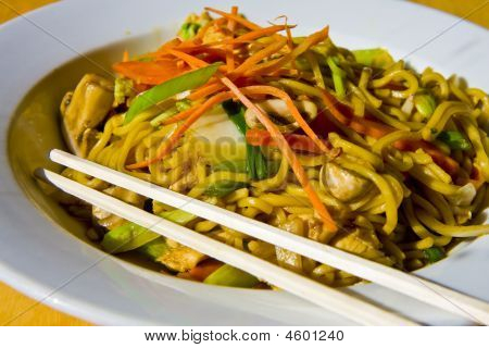 Lo Mein In Bowl