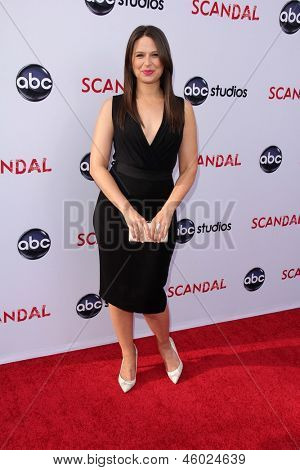 LOS ANGELES - MAY 16:  Katie Lowes arrives at
