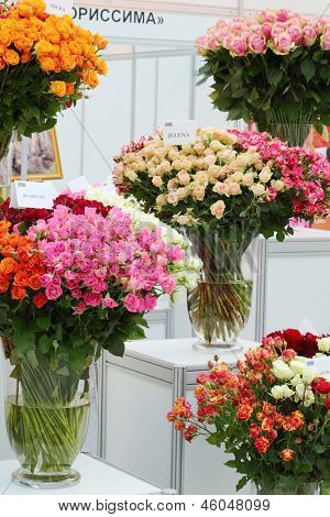 MOSCOW - SEPTEMBER 4: Bouquets of roses at XIX International Flower Show in Gostinnyj dvor, on September 4, 2012 in Moscow, Russia.
