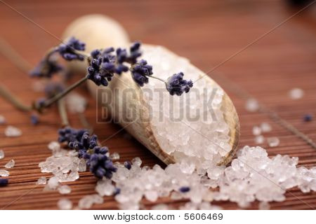 Small Wooden Shovel With Bath Salt