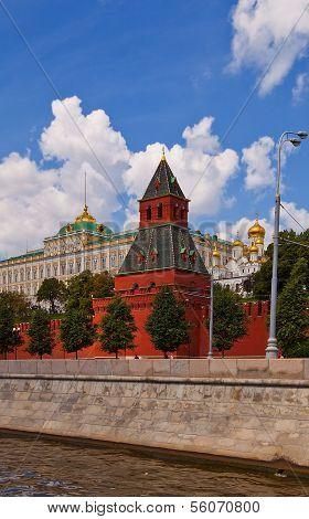 Taynitskaya Tower (1485) Of Moscow Kremlin (unesco Site)