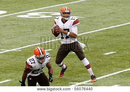 NEW YORK-DEC 22:  Cleveland Browns quarterback Jason Campbell (17) looks to pass the ball against the New York Jets during the first half at MetLife Stadium.