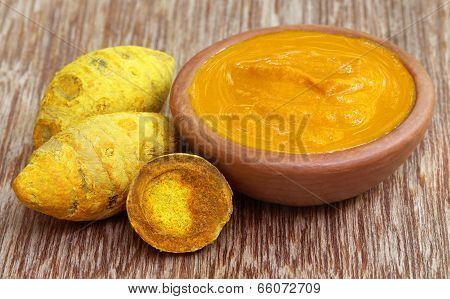 Dried Turmeric With Paste