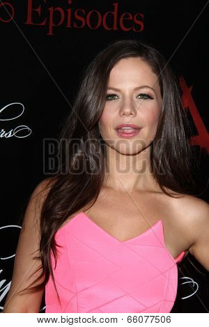 Zoey DeutchLOS ANGELES - MAY 31:  Tammin Sursok at the
