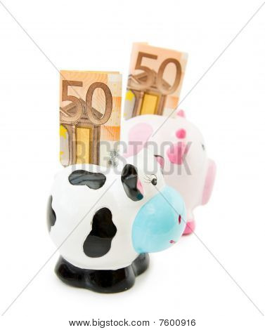 Save money with Piggy banks