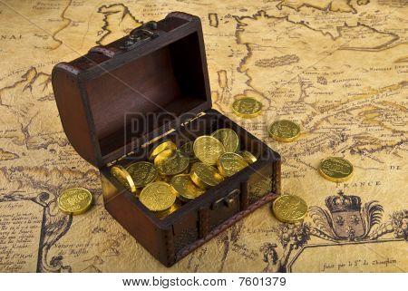 Karte und Treasure chest