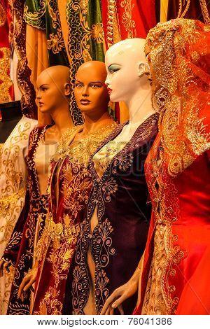 Mannequins In Wedding Dress