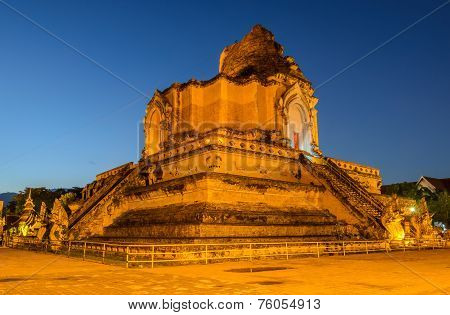 Wat Chedi Luang Temple At Twilight In Chiang Mai, Thailand