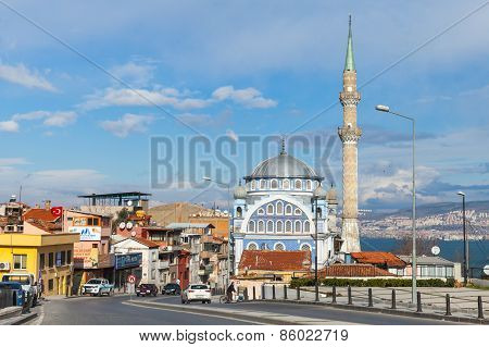 Street View Of Birlesmis Milietler Cd. With Fatih Camii