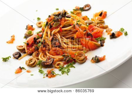 Vegetarian Spaghetti with Vegetables, Olives and Tomato Sauce
