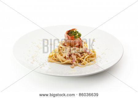 Traditional Spaghetti with Bacon and Cheese
