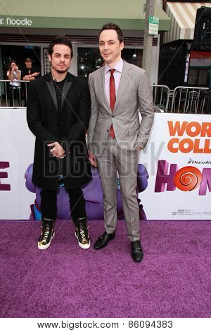 LOS ANGELES - FEB 22:  Casper Smart, Jim Parsons at the