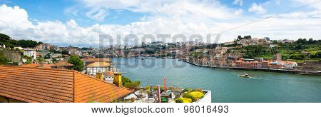 Portol old town skyline on the Douro River