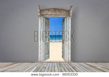 Retro Style Wooden Door In Grey Color Room Opened To The Beach