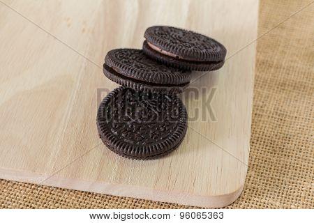 Chocolate Cream Cookies
