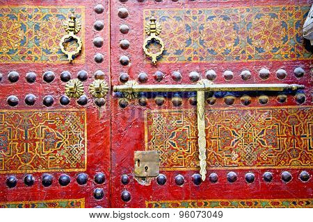 Metal Rusty Brown Morocco In Africa   And Safe Padlock