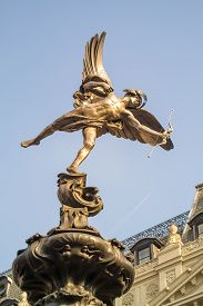 pic of ero  - Statue of Eros at Picadilly Circus - JPG
