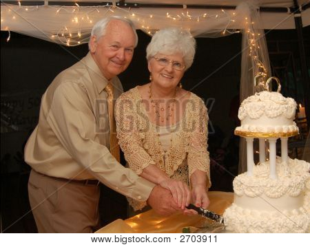 couple on their golden wedding anniversary